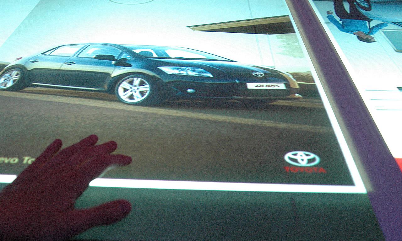 7D Instalaciones (living table_Toyota)